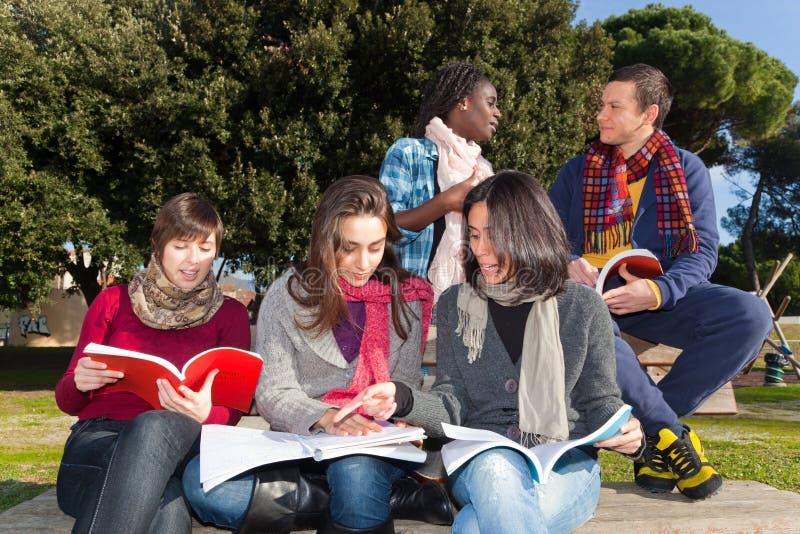φοιτητές πανεπιστημίου στοκ φωτογραφίες