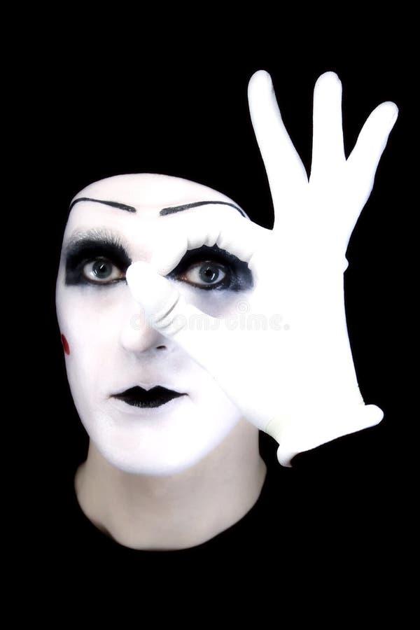 φορά γάντια mime εντάξει στο λευκό πορτρέτου στοκ εικόνα με δικαίωμα ελεύθερης χρήσης