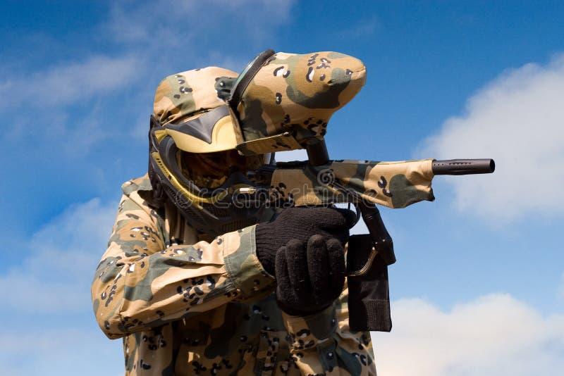 φορέας πυροβόλων όπλων paintball στοκ φωτογραφίες με δικαίωμα ελεύθερης χρήσης