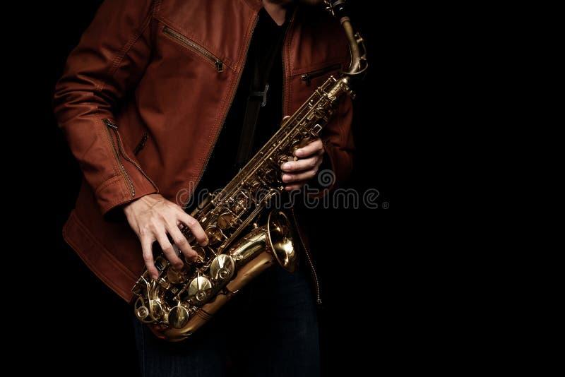 Φορέας saxophone της Jazz στο στάδιο στοκ φωτογραφία με δικαίωμα ελεύθερης χρήσης