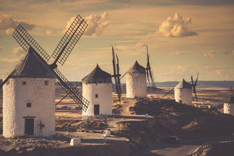 φορέστε τους ανεμόμυλους Δον Κιχώτης Cosuegra, Ισπανία στοκ φωτογραφία