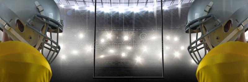 φορείς αμερικανικού ποδοσφαίρου που αντανακλώνται στο στάδιο στοκ εικόνες με δικαίωμα ελεύθερης χρήσης