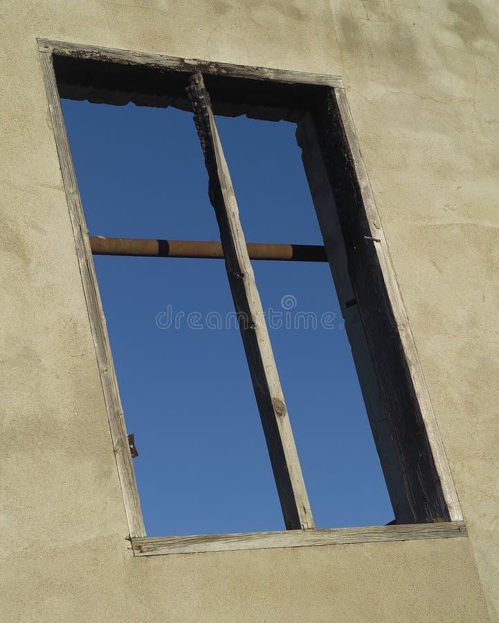 Φορεμένο παράθυρο στοκ εικόνα με δικαίωμα ελεύθερης χρήσης