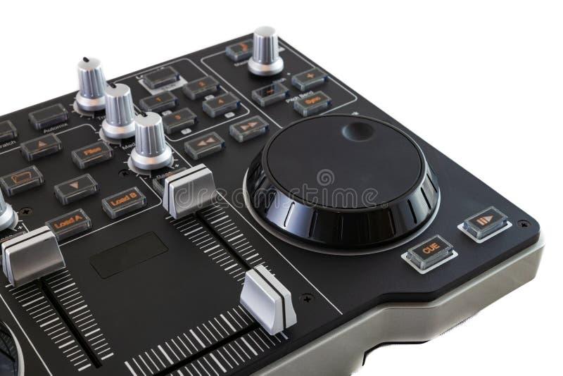Φορητός μείκτης ελέγχου DJ σε λευκό φόντο στοκ φωτογραφία με δικαίωμα ελεύθερης χρήσης