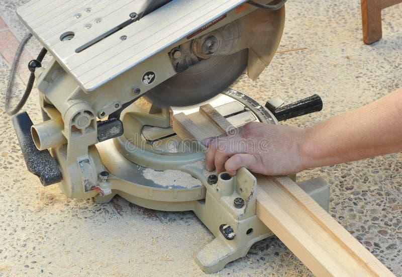 Φορητό miter πριόνι, εργαλεία δύναμης ξυλουργικής στοκ εικόνες
