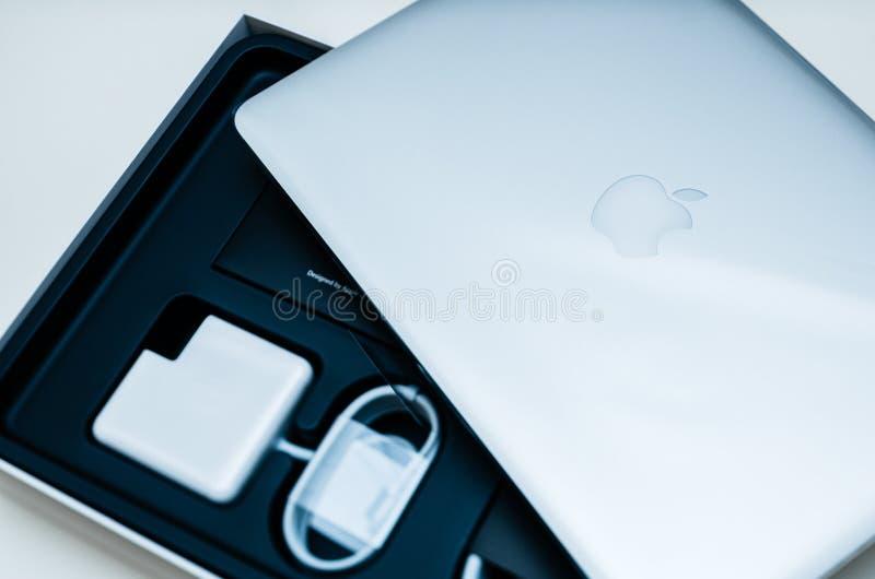 Φορητών προσωπικών υπολογιστών της Apple MacBook Pro στοκ φωτογραφία με δικαίωμα ελεύθερης χρήσης