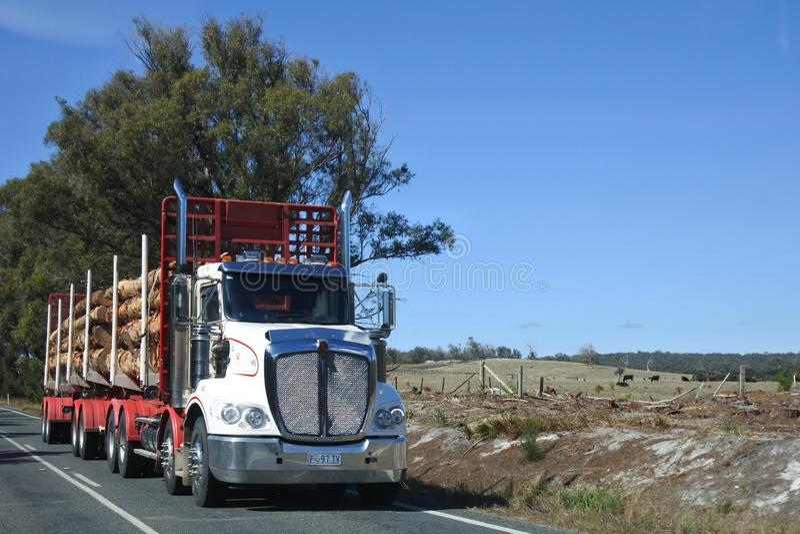 Φορτηγό αναγραφών στην Τασμανία Αυστραλία στοκ εικόνες