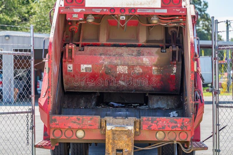Φορτηγό απορριμάτων στοκ εικόνα με δικαίωμα ελεύθερης χρήσης