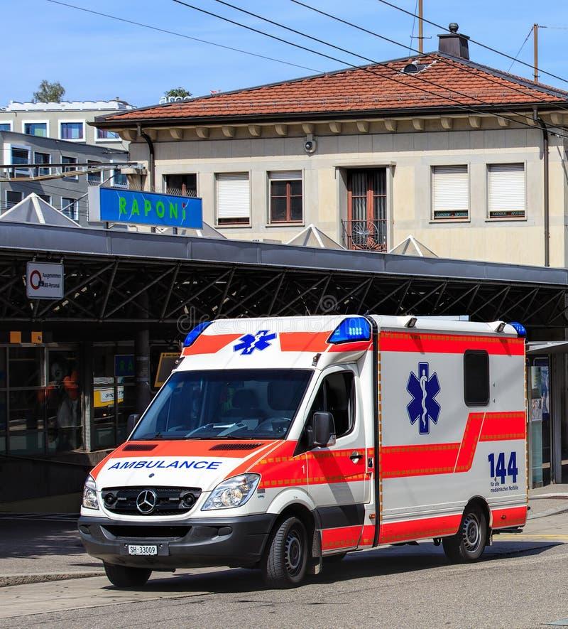 Φορτηγό ασθενοφόρων στην Ελβετία στοκ φωτογραφία με δικαίωμα ελεύθερης χρήσης
