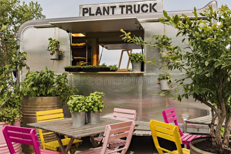 Φορτηγό εγκαταστάσεων φεστιβάλ κήπων στοκ φωτογραφίες
