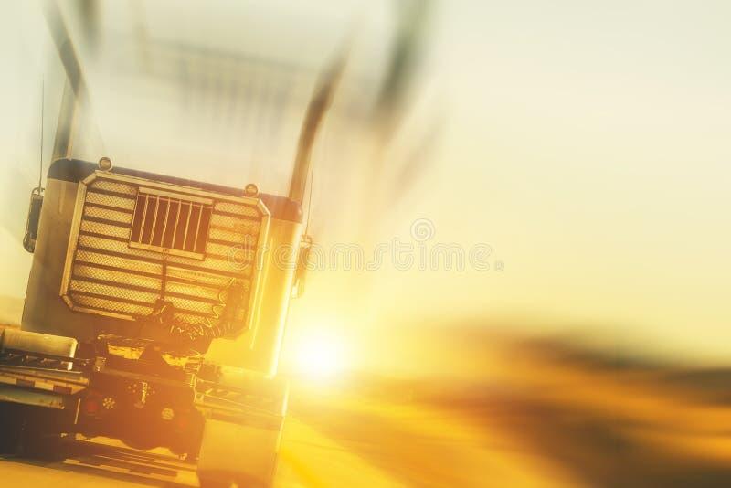 Φορτηγό και έννοια μεταφορών στοκ φωτογραφία με δικαίωμα ελεύθερης χρήσης