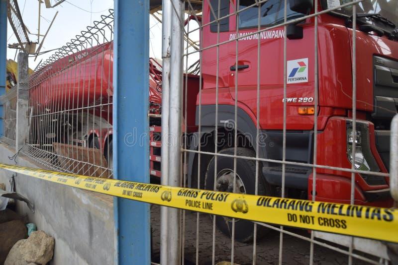 Φορτηγό καυσίμων που εκρήγνυται στοκ εικόνα με δικαίωμα ελεύθερης χρήσης