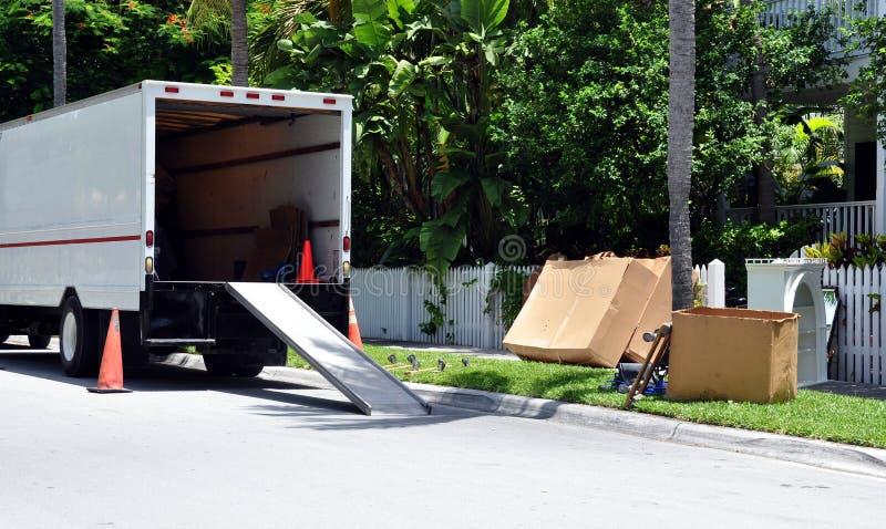 Φορτηγό μετακινούμενου στην οδό στοκ φωτογραφίες με δικαίωμα ελεύθερης χρήσης