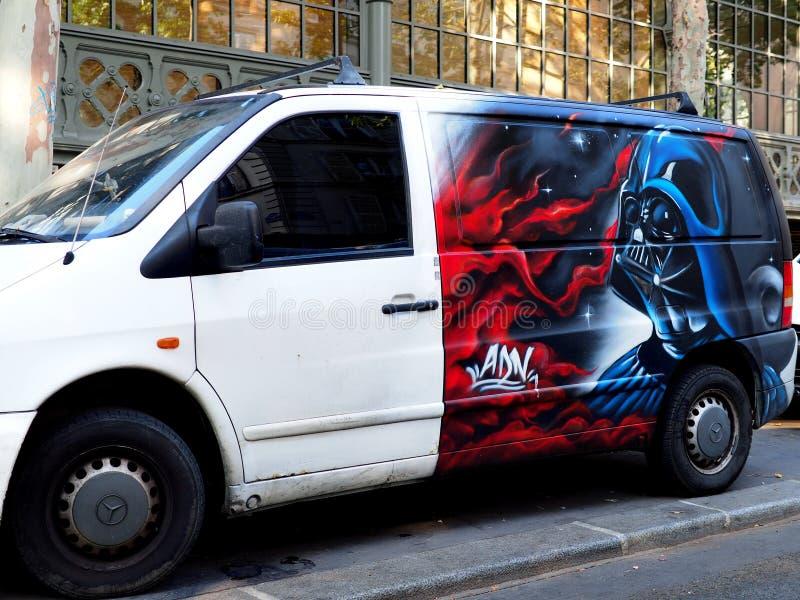 Φορτηγό με το θρυλικό χαρακτήρα Darth Vader στοκ εικόνες με δικαίωμα ελεύθερης χρήσης