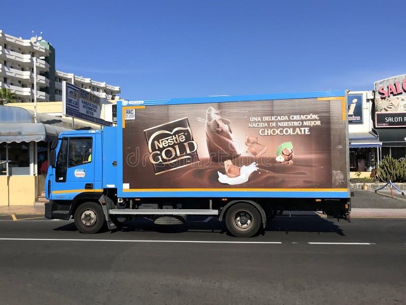 Φορτηγό παράδοσης της Nestle στοκ εικόνες