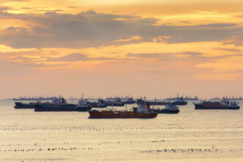 Φορτηγό πλοίο LPG που ελλιμενίζεται στοκ εικόνες