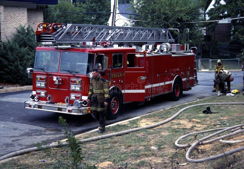 Φορτηγό σκαλών στο τρυπάνι πυρκαγιάς στοκ εικόνα