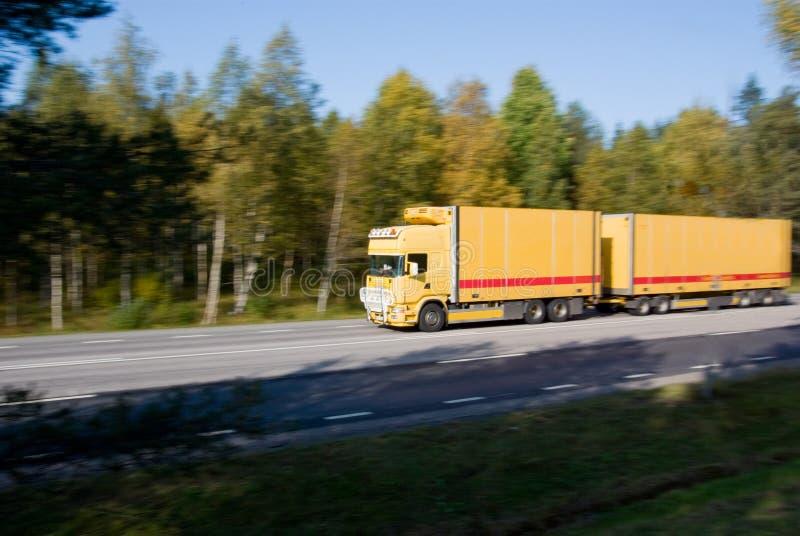 Φορτηγό στην κίνηση στοκ φωτογραφίες