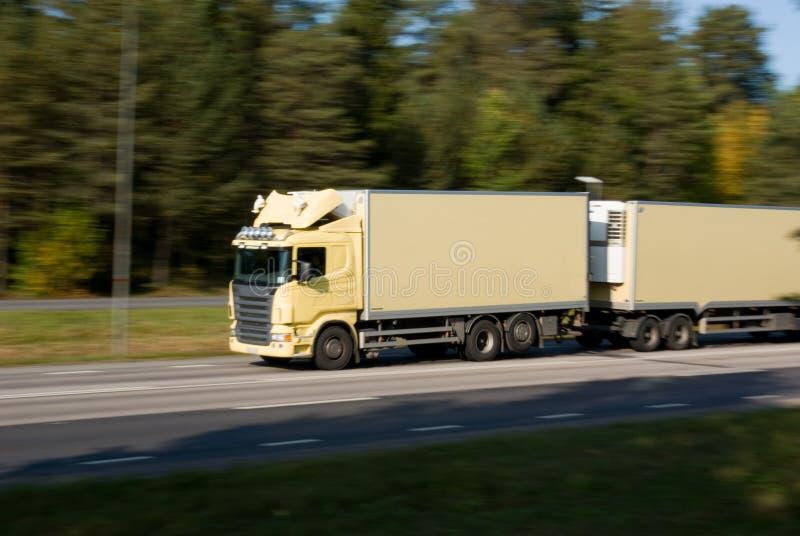 Φορτηγό στην κίνηση στοκ εικόνες