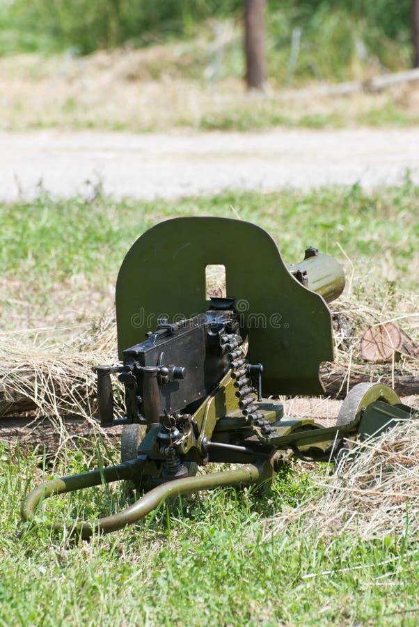 Φορτωμένο πολυβόλο του Δεύτερου Παγκόσμιου Πολέμου στοκ εικόνες με δικαίωμα ελεύθερης χρήσης