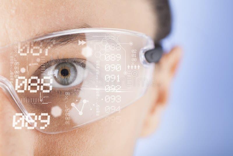Φουτουριστικά έξυπνα γυαλιά στοκ φωτογραφίες