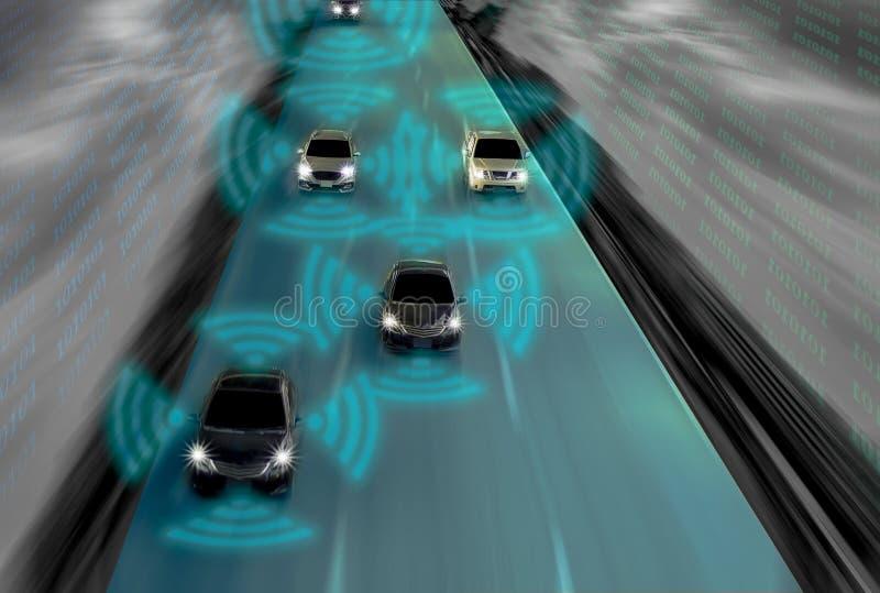 Φουτουριστικός δρόμος της μεγαλοφυίας για τα ευφυή μόνα οδηγώντας αυτοκίνητα, Arti διανυσματική απεικόνιση