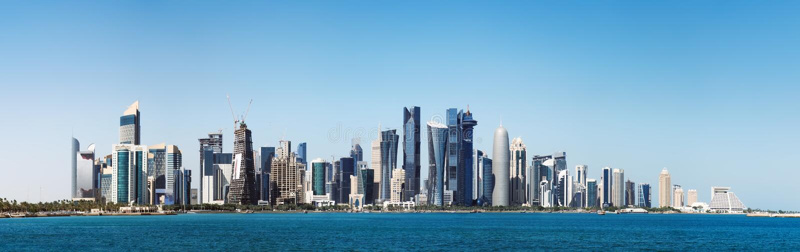 Φουτουριστικός ορίζοντας Doha στο Κατάρ στοκ εικόνα με δικαίωμα ελεύθερης χρήσης