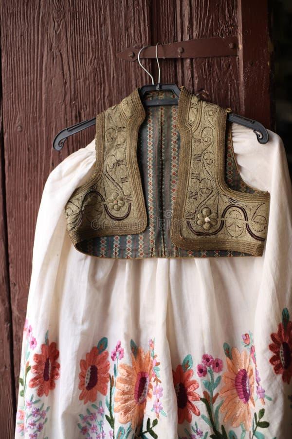 Φούστα και φανέλλα του εθνικού κροατικού κοστουμιού στοκ φωτογραφίες με δικαίωμα ελεύθερης χρήσης