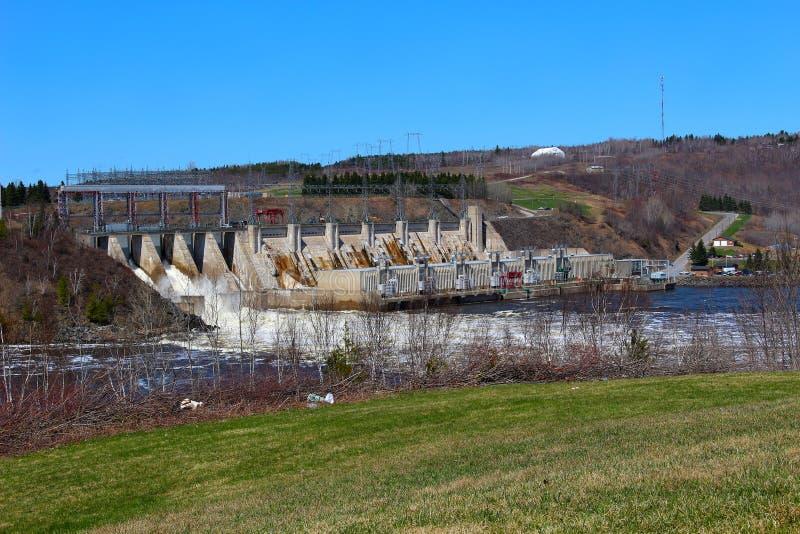 Φράγμα Mactaquac κοντά σε Fredericton Νιού Μπρούνγουικ, Καναδάς στοκ εικόνα με δικαίωμα ελεύθερης χρήσης