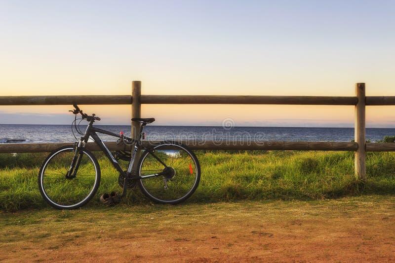 Φράκτης ποδηλάτων θάλασσας στοκ φωτογραφία με δικαίωμα ελεύθερης χρήσης