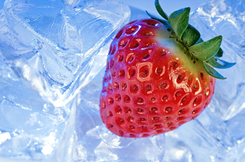 Download φράουλα πάγου στοκ εικόνες. εικόνα από συνδυασμένα, κόκκινος - 13183328