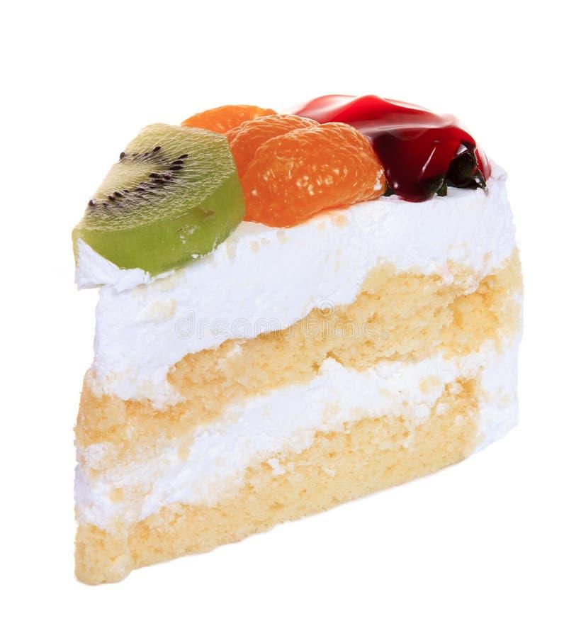 Φράουλα, ακτινίδιο και πορτοκαλί κέικ φρούτων που απομονώνονται στοκ εικόνες
