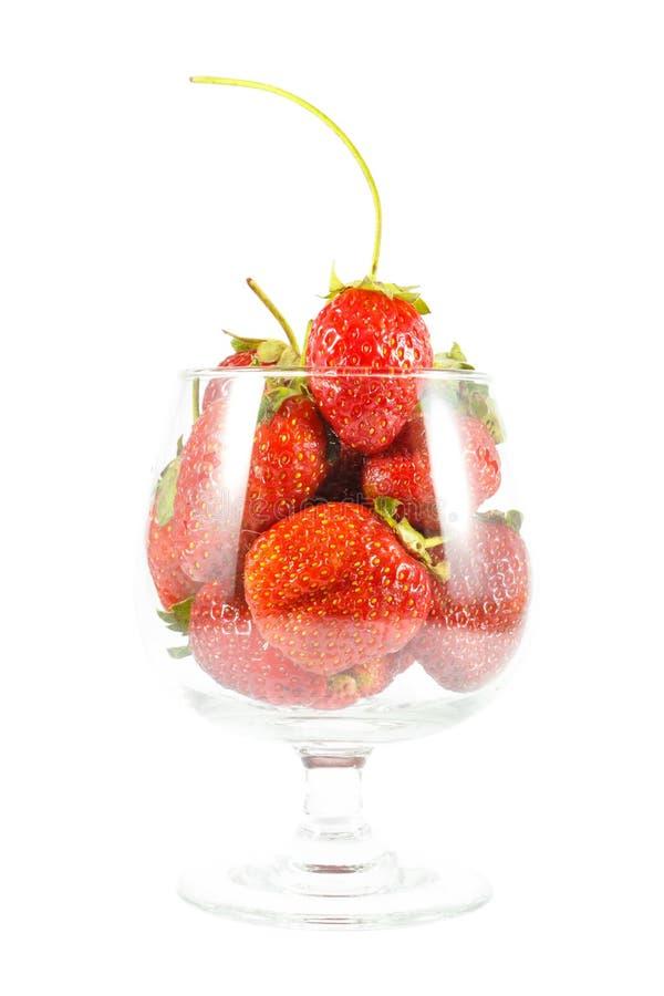 Φράουλες στο γυαλί κρασιού στοκ φωτογραφία με δικαίωμα ελεύθερης χρήσης