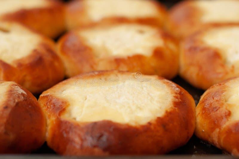 Φρέσκα εύγευστα σπιτικά κέικ στοκ εικόνες με δικαίωμα ελεύθερης χρήσης