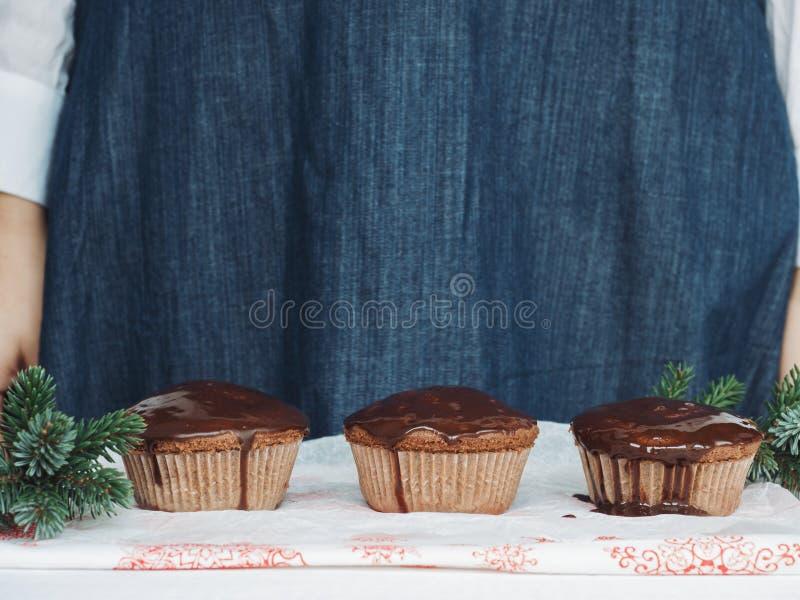 Φρέσκα και ευώδη Χριστούγεννα cupcakes στοκ εικόνες με δικαίωμα ελεύθερης χρήσης
