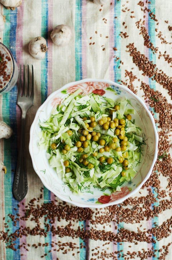 Φρέσκα οργανικά λαχανικά Υγιή χορτάρια από τον κήπο Φρέσκο όργανο στοκ εικόνες