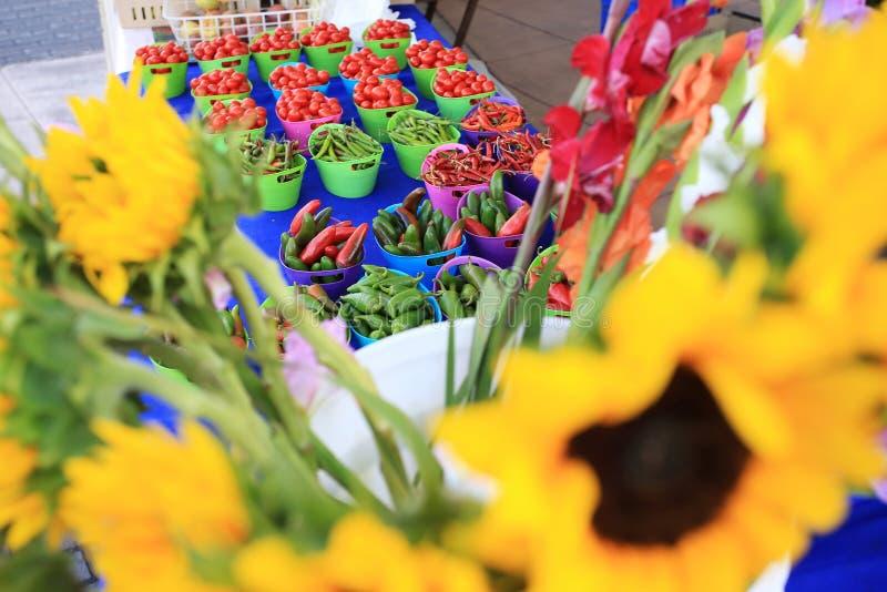 Φρέσκα οργανικά φρούτα από μια αγορά σε Καλιφόρνια στοκ φωτογραφία με δικαίωμα ελεύθερης χρήσης