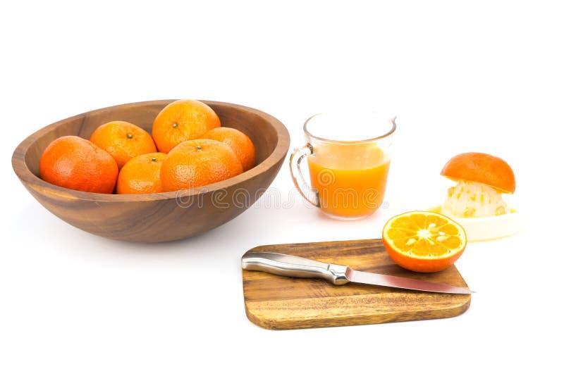 Φρέσκα πορτοκάλια και χυμός από πορτοκάλι στοκ φωτογραφίες με δικαίωμα ελεύθερης χρήσης