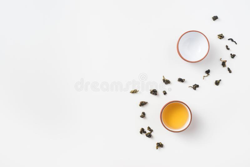 Φρέσκα τσάι της Ταϊβάν oolong και φλυτζάνι τσαγιού στοκ φωτογραφία