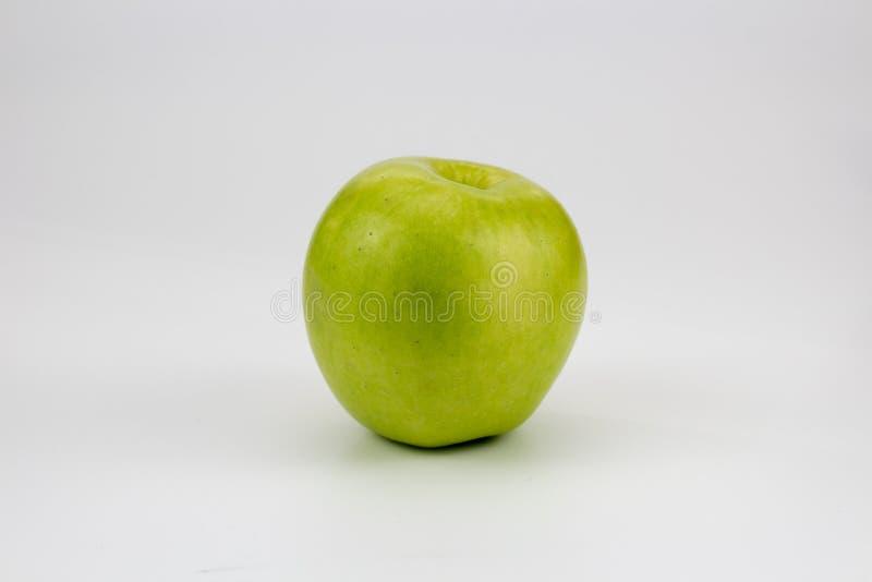 Φρέσκα υγιή μήλα στον πίνακα στοκ εικόνες