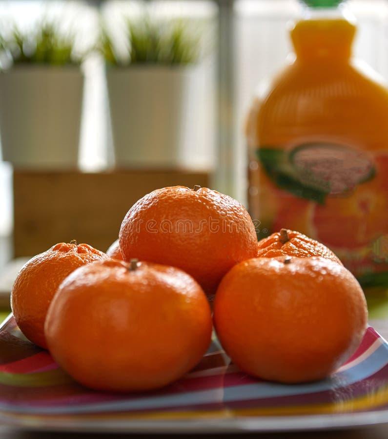 Φρέσκα tangerines, πυροβολισμός στο natura στοκ φωτογραφίες