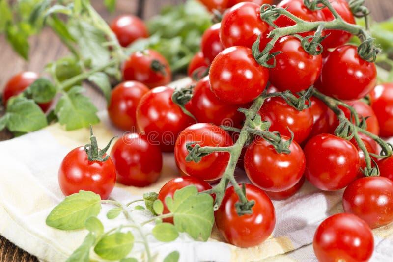 Φρέσκες ντομάτες κερασιών στοκ φωτογραφίες με δικαίωμα ελεύθερης χρήσης