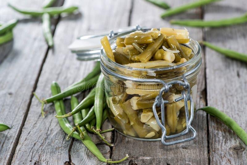 Φρέσκια γίνοντη πράσινη σαλάτα φασολιών στοκ φωτογραφία με δικαίωμα ελεύθερης χρήσης