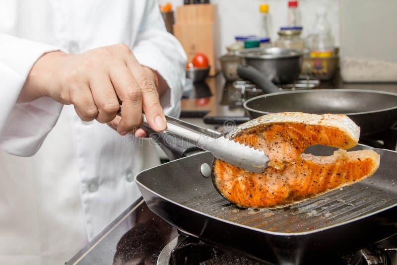 φρέσκια μπριζόλα σολομών στοκ φωτογραφία με δικαίωμα ελεύθερης χρήσης