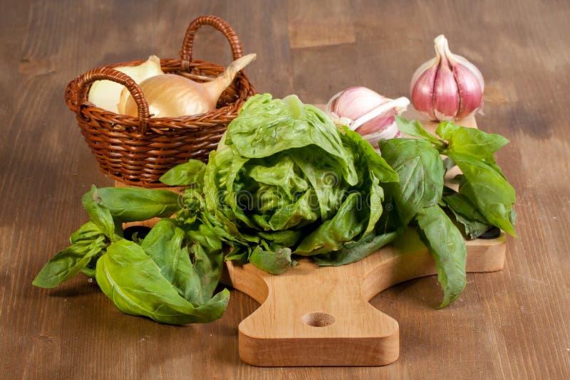 φρέσκια σαλάτα κρεμμυδιώ&nu στοκ φωτογραφία με δικαίωμα ελεύθερης χρήσης