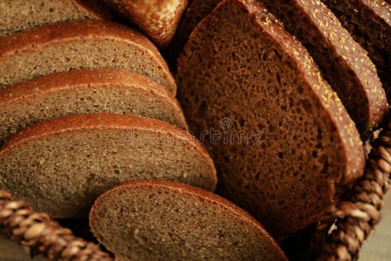 Φρέσκια τεμαχισμένη φραντζόλα ψωμιού, στοκ φωτογραφίες
