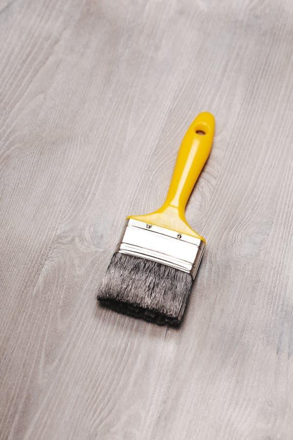 Φρέσκια χρωματισμένη ξύλινη επιφάνεια στοκ εικόνες με δικαίωμα ελεύθερης χρήσης