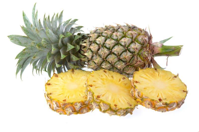 Φρέσκος ανανάς που απομονώνεται στο άσπρο υπόβαθρο στοκ εικόνες με δικαίωμα ελεύθερης χρήσης