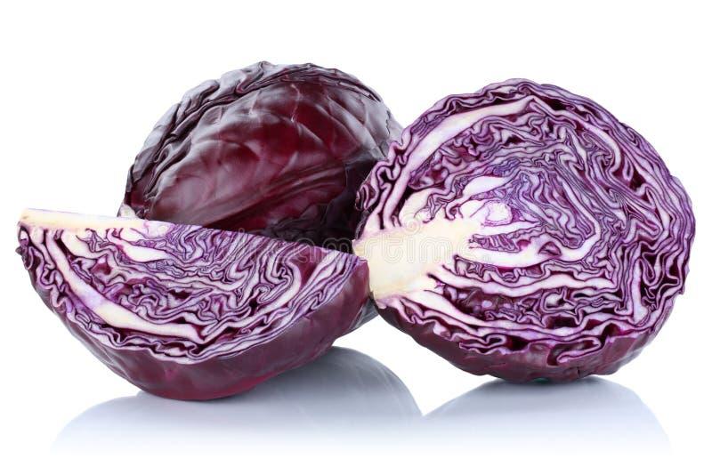 Φρέσκο λαχανικό φετών κόκκινων λάχανων τεμαχισμένο που απομονώνεται στοκ φωτογραφίες