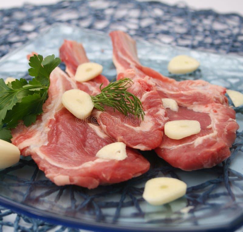 Φρέσκο κρέας ενός αρνιού στοκ εικόνες